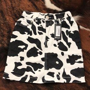 Nasty Gal skirt size 4 blk/wht cowprint  NWT